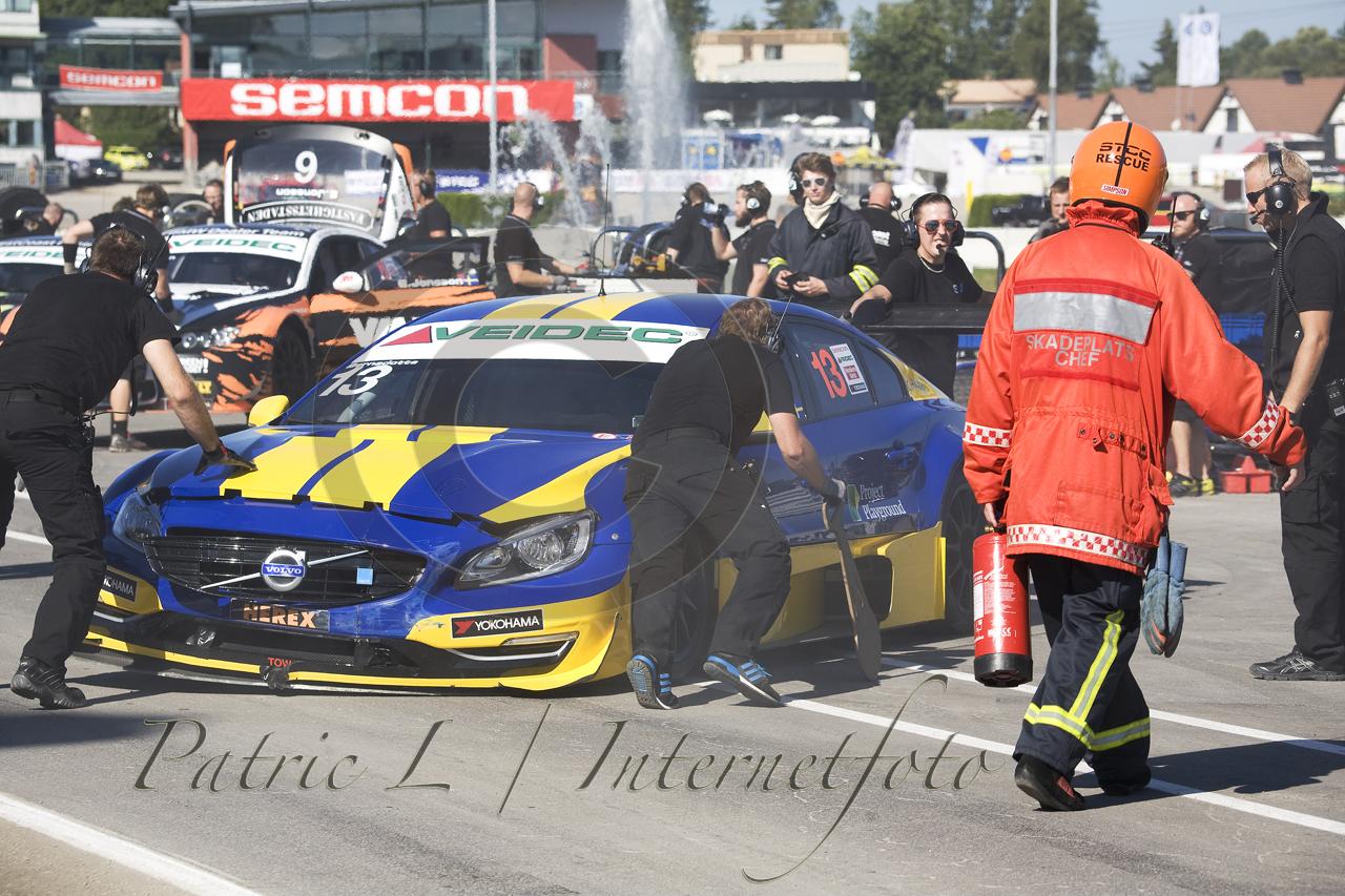 Prinsen knölade till bilen vid första incidenten.