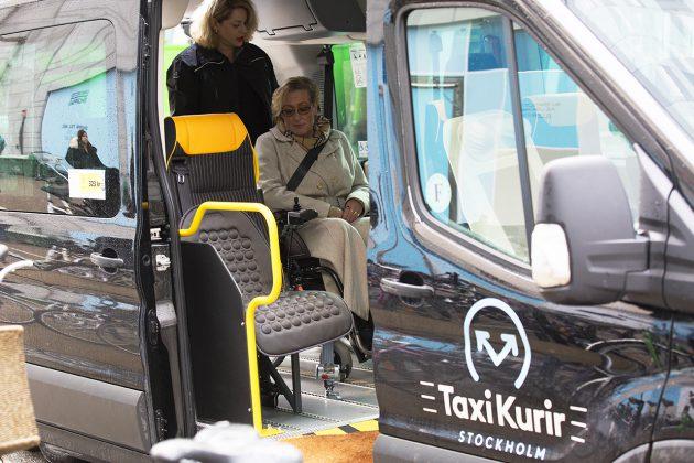 Taxi Kurir taxibuss med kund