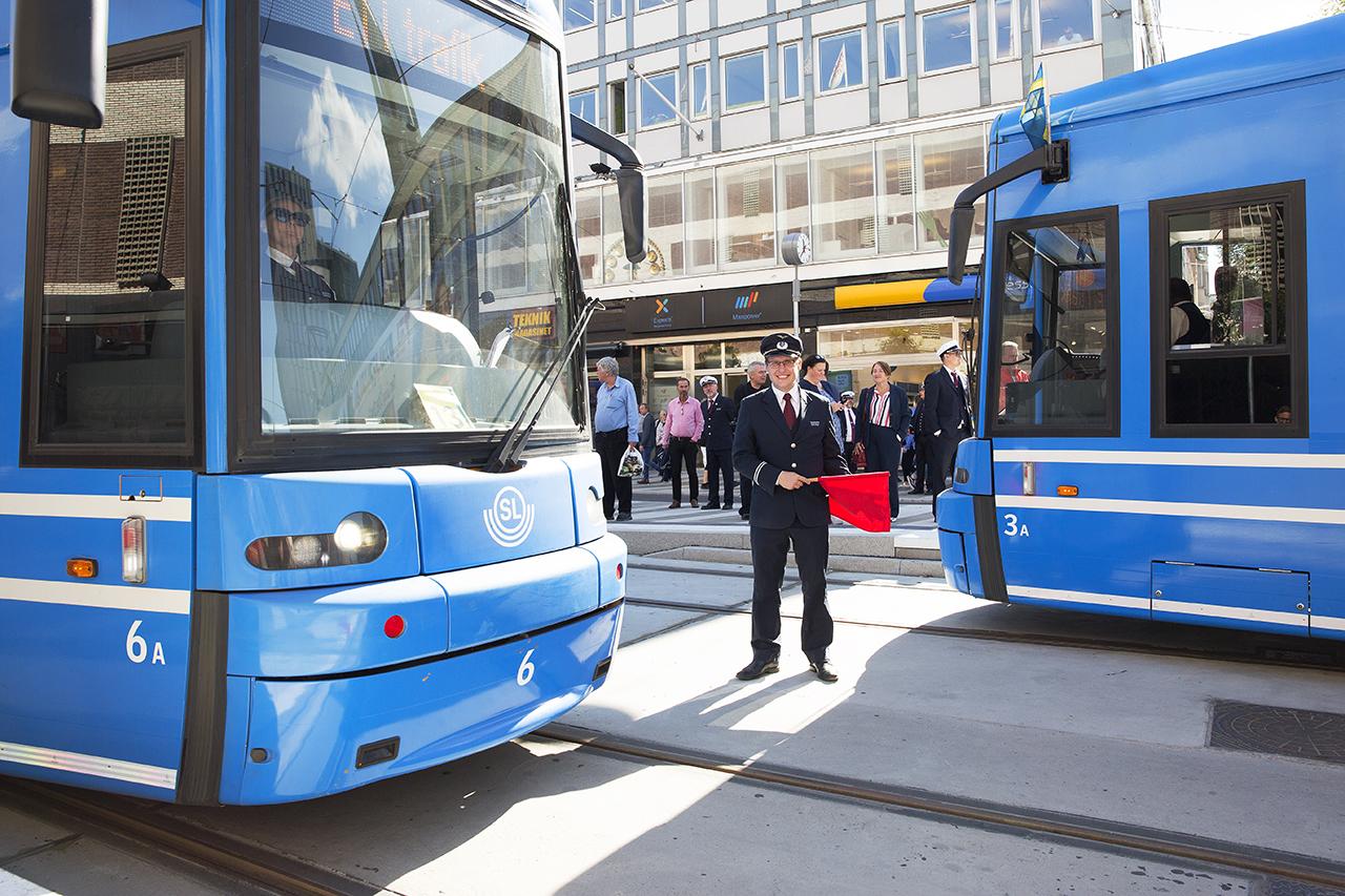 Första spårvagnsavgång och första ankomst T-centralen.