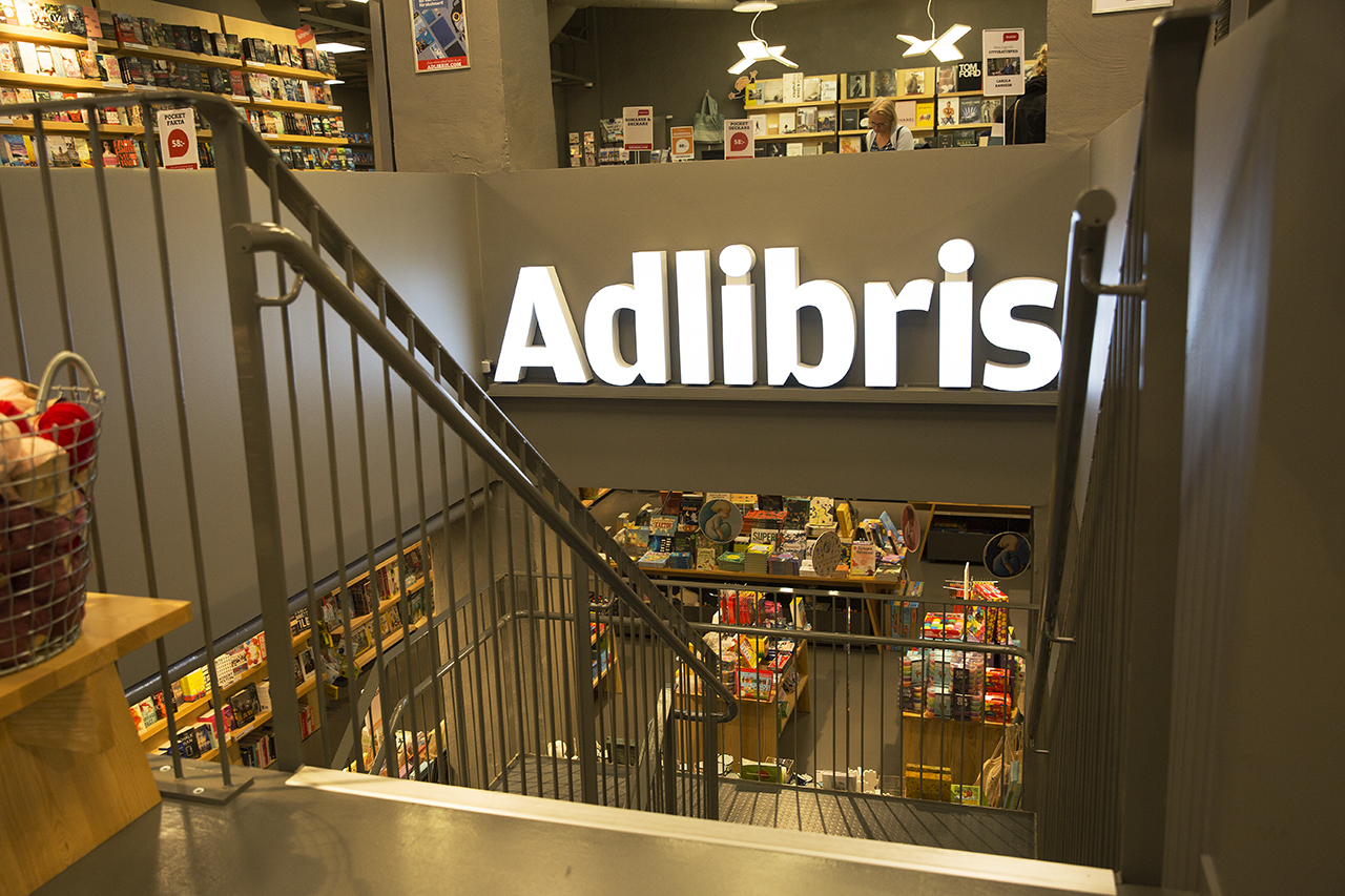 Adlibris trappa i butik