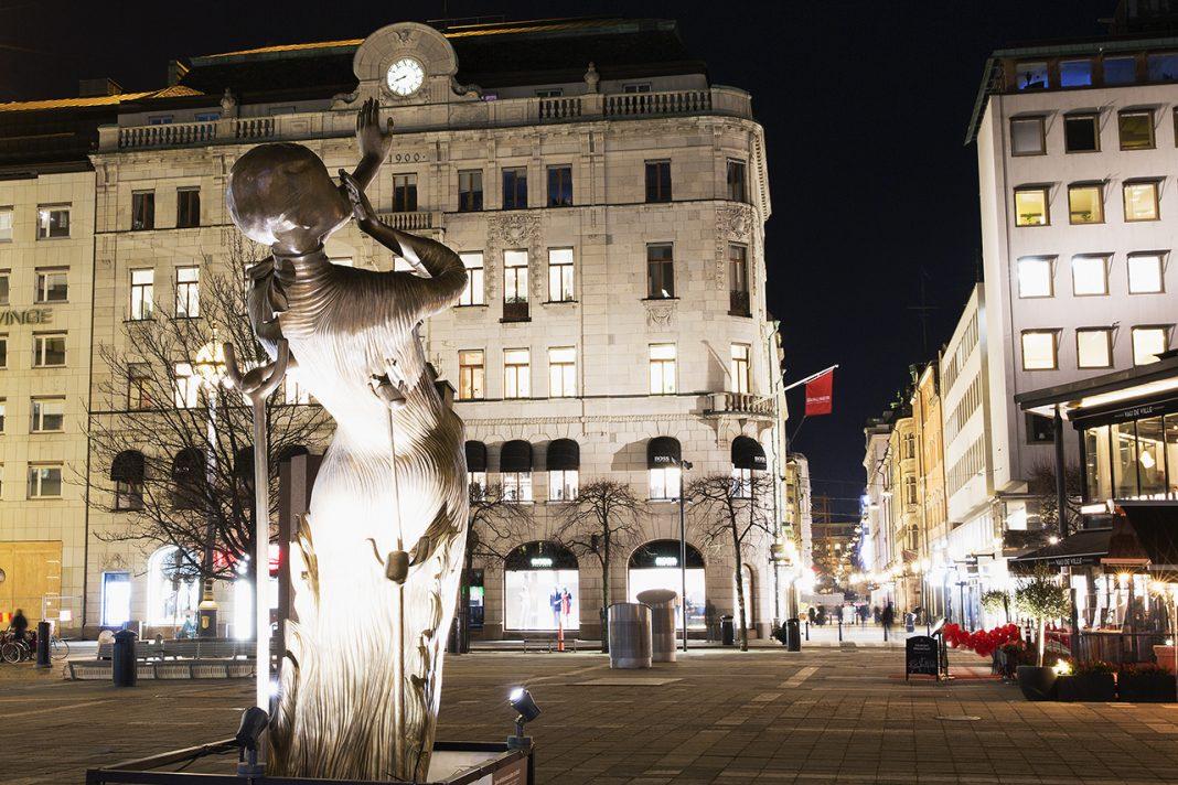 Salvador Dalí Woman aflame i Stockholm