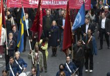 Finansministern i centrum vid 1 maj demonstration i Stockholm
