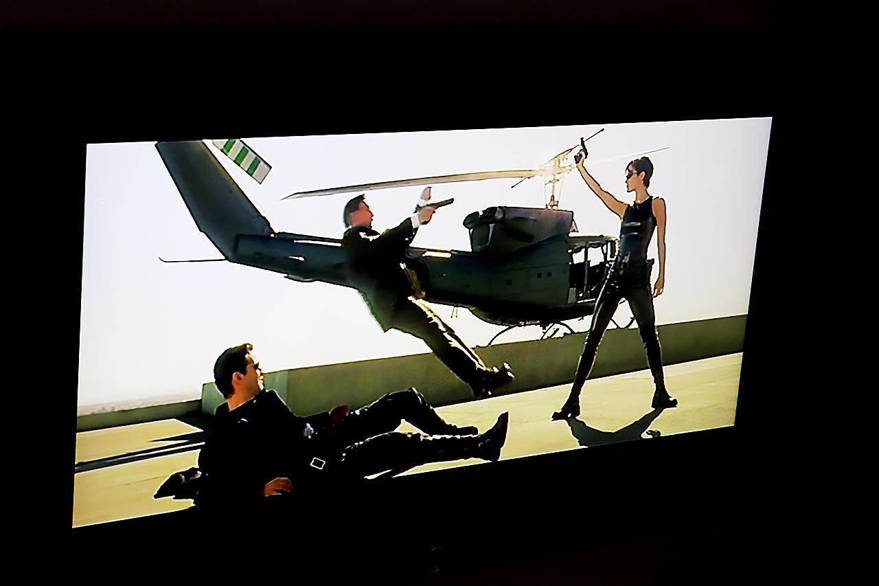 Carrie-Anne Moss ;) Scen ur filmen Matrix