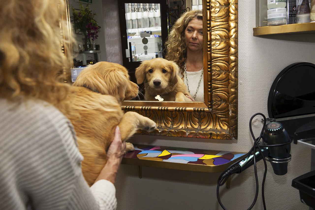 Mirre och Leelo i spegel